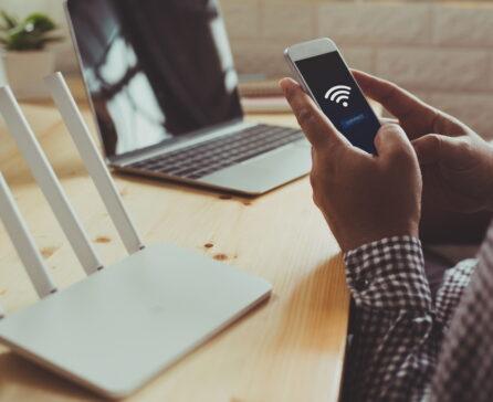 業務用Wi-Fiはどのような店舗に導入するべきなの?